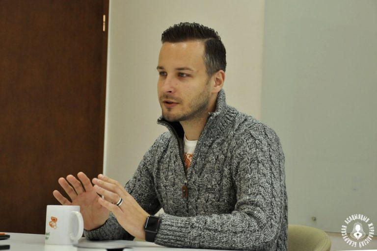 Директор Kufar.by Михаил Сендер: Логику работы маркетплейсов можно использовать для бизнес-моделей СМИ // Belarusian Journalist Assiciation